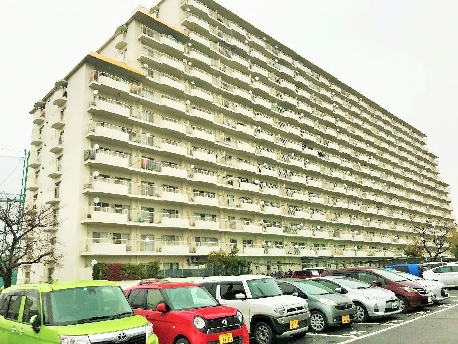 その他現地写真:南向きで日当り良好です。建物の中央部分、9階にお部屋は有ります。